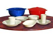 Пластмассовая многоразовая посуда.