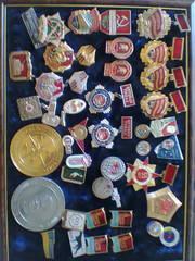 Продам монеты,  житоны,  значки