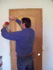 Встановлення вхідних і міжкімнатних дверей.Чернігів